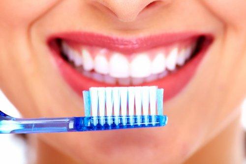 Cómo debemos cepillarnos los dientes